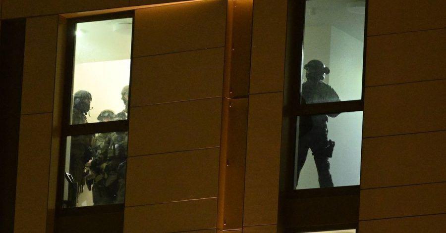 Spezialkräfte der Polizei sind im Einsatz.