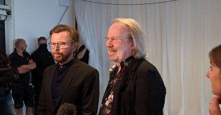 Björn Ulvaeus (l) und Benny Andersson sorgten für eine Überraschung: neue Abba-Songs.
