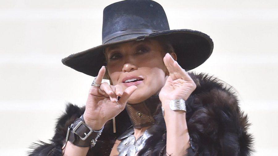 Jennifer Lopez hält sich in Hollywood für eine Außenseiterin