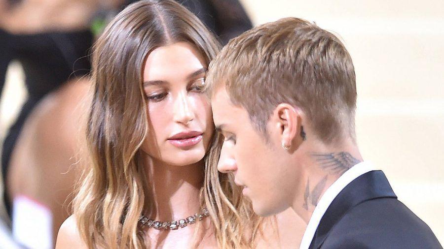 Hailey Bieber nimmt ihren respektvollen Ehemann Justin in Schutz