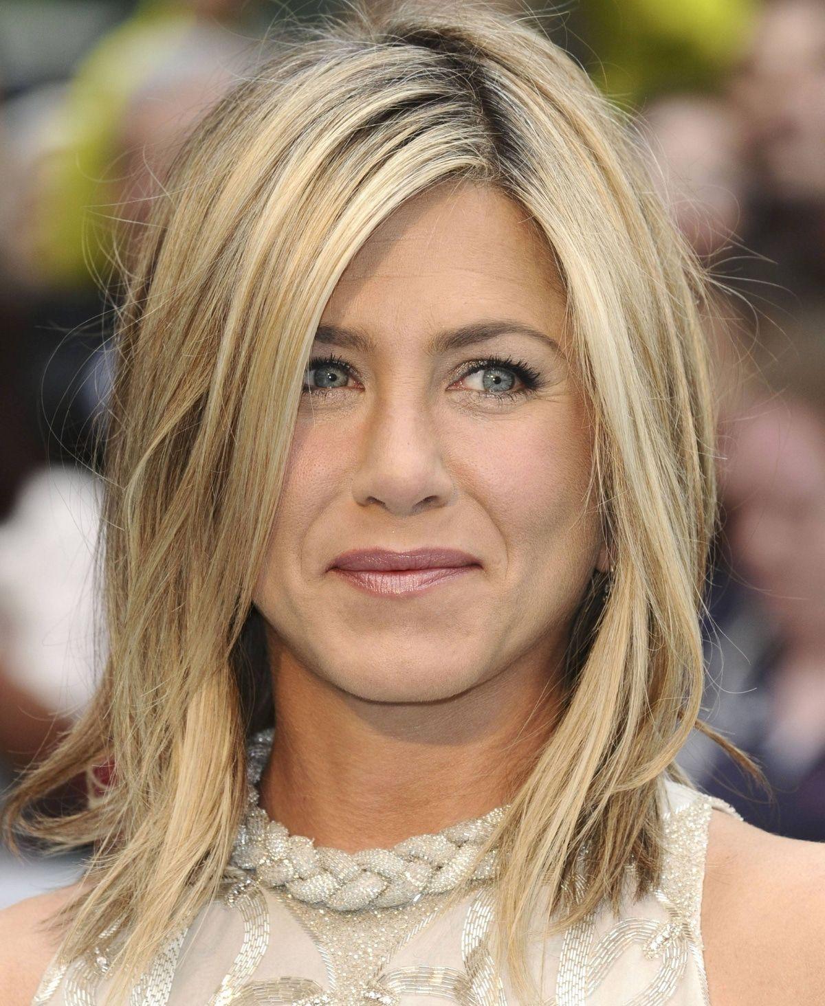 Haare wie Jennifer Aniston! Mit ihrer neuen Bürste klappts.
