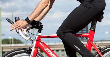 Sportlich fokussiert: Den Zustand der Straße dürfen sportive Radler aber nicht aus den Augen lassen.