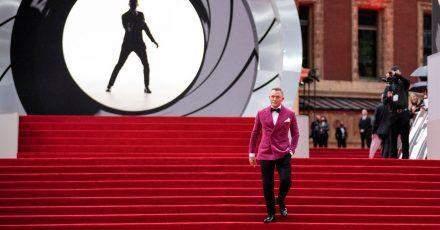 Daniel Craig, Schauspieler aus Großbritannien, bei der Weltpremiere des neuen James Bond Films «No Time to die» in London. Craig (53) soll auf Hollywoods «Walk of Fame» mit einer Sternenplakette verewigt werden.