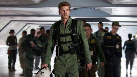 """""""Independence Day: Wiederkehr"""": Bei der ersten Alien-Invasion hat Kampfpilot Jake Morrison (Liam Hemsworth) seine Eltern verloren. (cg/spot)"""