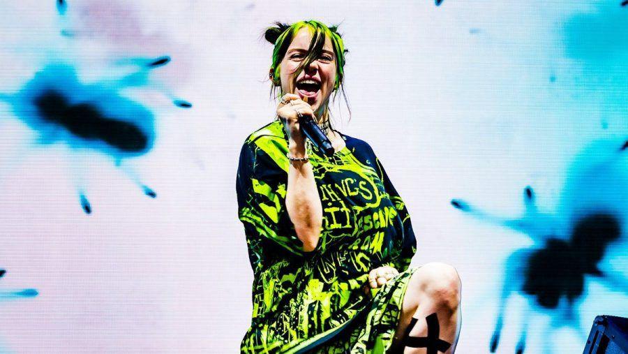 Billie Eilish tritt 2022 beim Glastonbury Festival auf. (eee/spot)