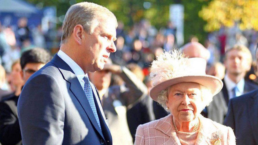 Prinz Andrew scheint die volle Rückendeckung seiner Mutter zu genießen - auch finanziell. (stk/spot)