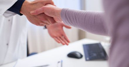 Menschen mit seltenen Demenzformen haben zu Beginn der Erkrankung oft Schwierigkeiten, sich in ihrem Alltag zurechtzufinden.