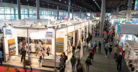 Mehr als 70.000 Besucherinnen und Besucher kamen in diesem Jahr zuBuchmesse nach Frankfurt am Main.