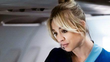 Flugbegleiterin wird Ermittlerin: Kaley Cuoco als Cassie will ihre Unschuld beweisen. (jom/spot)