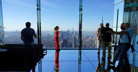 Besucher bei der Eröffnung der neuen Aussichtsplattform «Summit One Vanderbilt» in Manhattan.