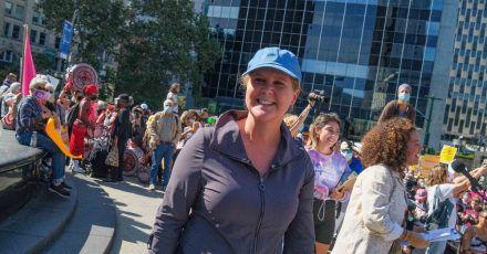 Schauspielerin und Komikerin Amy Schumer bei einer Demo für das Abtreibungsrecht.