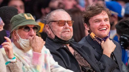 Jack Nicholson (Mitte) bei einem Spiel der Los Angeles Lakers. (hub/spot)