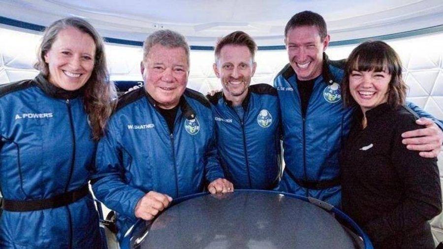 William Shatner (2.v.l.) und seine Crew. (jom/spot)