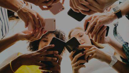 Vor allem auf das Leben junger Menschen haben soziale Medien Einfluss. (sob/spot)