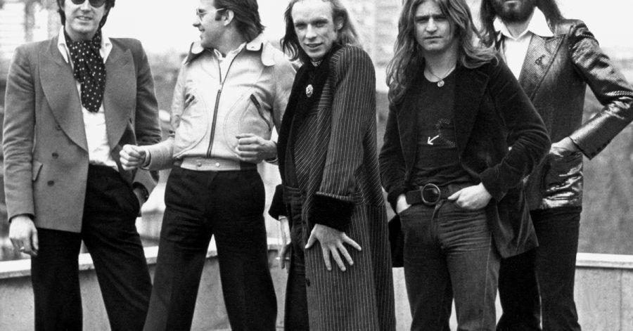 Bryan Ferry (l-r), Andy Mackay, Bryan Eno, Paul Thompson und Phil Manzanera von der britischen Band Roxy Music.