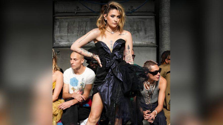 Paris Jackson auf der Pariser Fashion Week. (stk/spot)