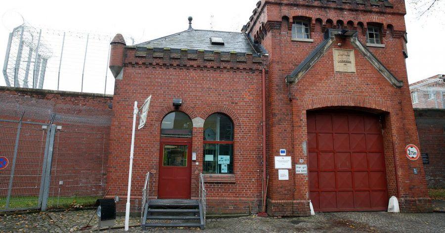 Das Hauptportal der Justizvollzugsanstalt Fuhlsbüttel.