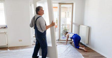 Den Aufwand für einen Innenausbau in Eigenregie sollten Bauherren nicht unterschätzen.