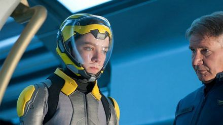 """""""Ender's Game"""": Auf Enders (Asa Butterfield) Schultern ruht die Zukunft der Menschheit. (cg/spot)"""