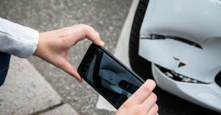 Lassen sich nicht alle reklamierten Schäden dem aktuellen Unfall zuordnen, kann der Schadenersatz in Gefahr kommen.