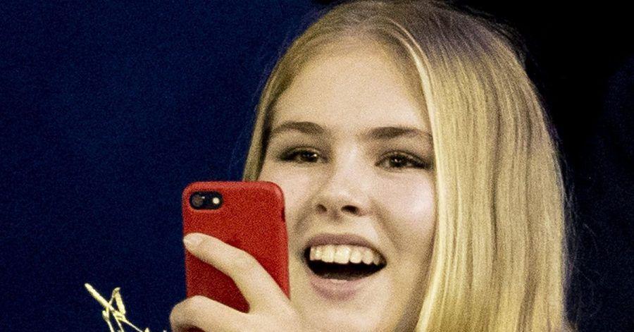 Prinzessin Amalia der Niederlande im Alter von 15 Jahren bei einem Springreitturnier. Bald wird sie volljährig.