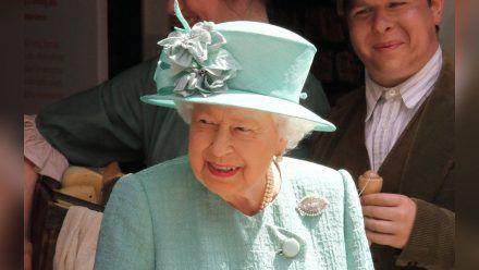 Queen Elizabeth II. ist auch mit ihren 95 Jahren voller Tatendrang. (stk/spot)