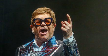 Elton John bei einem Konzert in Madrid 2019.