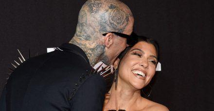 Travis Barker (l) und Kourtney Kardashian bei den MTV Video Music Awards im NewYorker Barclays Center. (Archivbild)