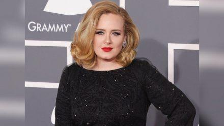 Adele bei einem Auftritt vor ihrem zwischenzeitlichen Rückzug aus dem Rampenlicht. (hub/spot)