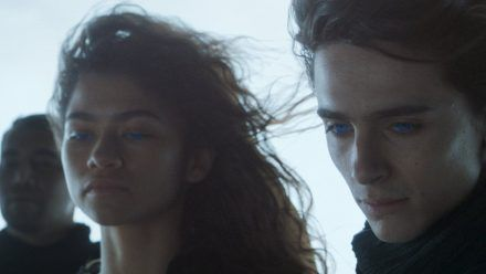 "Zendaya als Chani und Timothée Chalamet als Paul Atreides in ""Dune"". (hub/spot)"