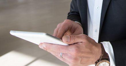 Eine elektronische Signatur gilt nur dann als qualifiziert, wenn ein zertifiziertes Signatursystem verwendet wurde.