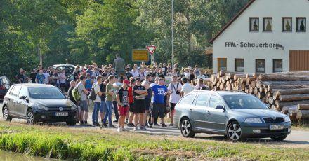 Teilnehmer einer Hass-Demo gegen den Youtuber «Drachenlord». (Archivbild)