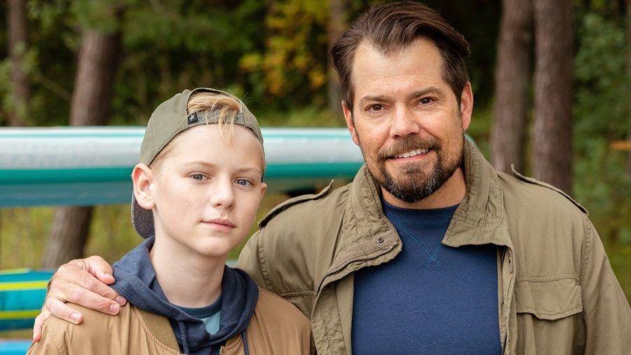 """Vater und Sohn, zumindest in """"Leon"""": Daniel Fehlow (re.) und Joey Altmann als Leon und Oskar Moreno. (stk/spot)"""