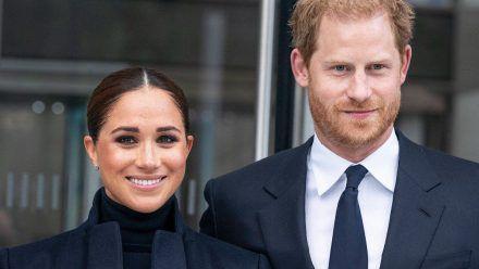Herzogin Meghan und Prinz Harry wehren sich gegen Hass im Netz. (ili/spot)