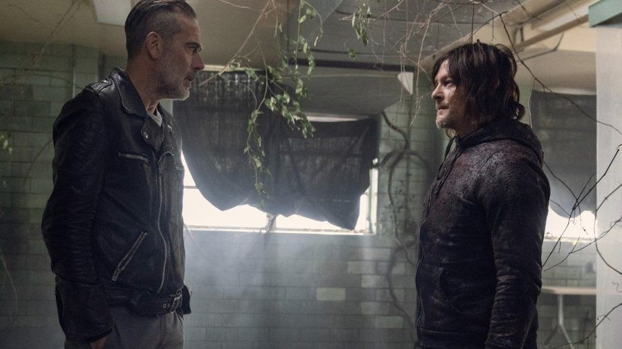 """Norman Reedus (re.) als Daryl Dixon und Jeffrey Dean Morgan als Negan in """"The Walking Dead"""": Welche Charaktere kommen im Spin-off vor? (jom/spot)"""