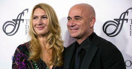 Die ehemalige deutsche Tennisspielerin Steffi Graf und ihr US-amerikanischer Ehemann Andre Agassi sind seit 20 Jahren verheiratet.