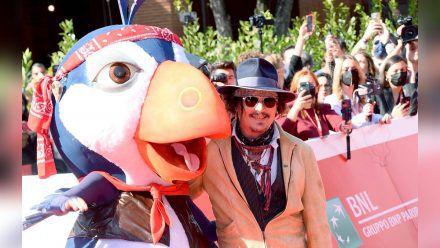 """In Rom wurde Johnny Depps neue Animationsserie """"Puffins"""" gezeigt, in der er einen der Vögel spricht. (stk/spot)"""