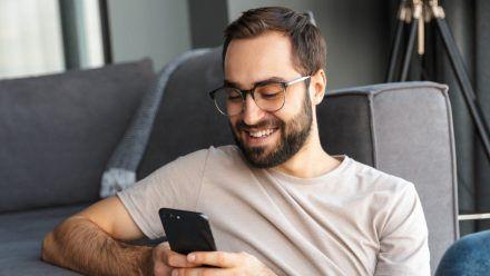 Viele bemerken gar nicht, wie viel Zeit sie in den sozialen Medien verbringen. (sob/spot)