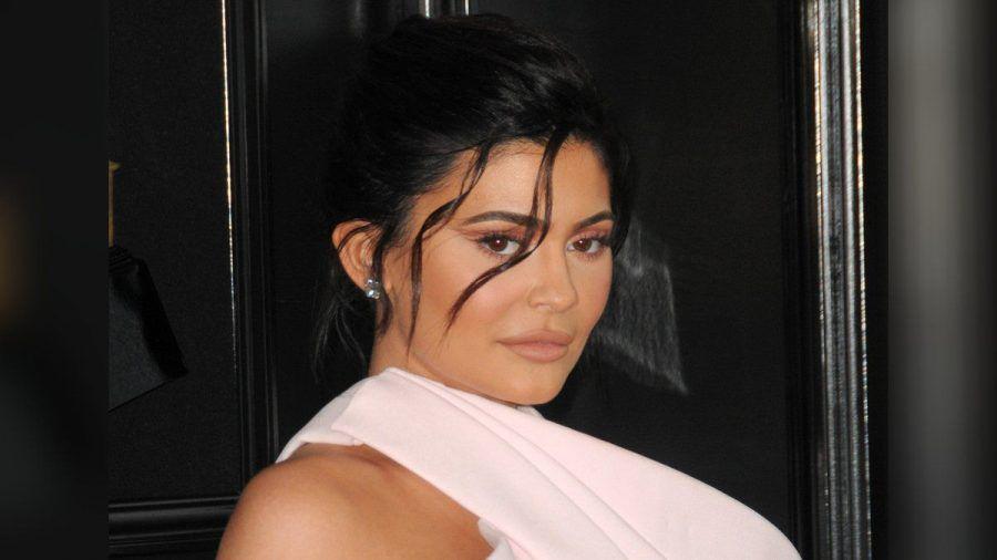 Kylie Jenner hat mit einer Werbekampagne für schockierte Fans gesorgt. (jom/spot)