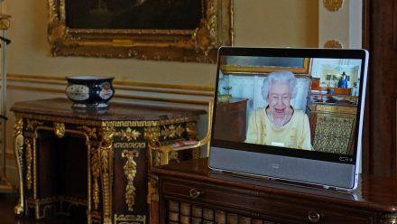 Queen Elizabeth II. in einem Videocall aus Schloss Windsor. (ncz/spot)