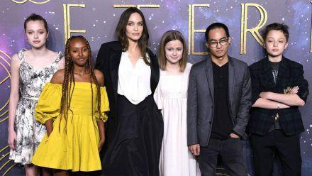 Ihre Kids dürfen Kleiderschrank von Angelina Jolie plündern