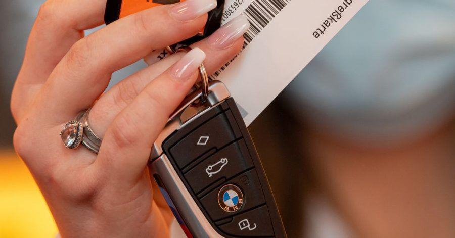 Die Preise für Mietwagen steigen aktuell - besonders stark ausgerechnet in beliebten Urlaubsländern.