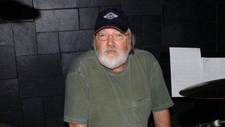 Schlagzeuger Ron Tutt ist im Alter von 83 Jahren verstorben. (hub/spot)