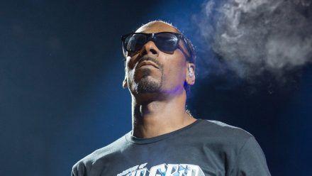 Snoop Doggs Mutter lag bereits seit Mai im Krankenhaus. (aha/spot)