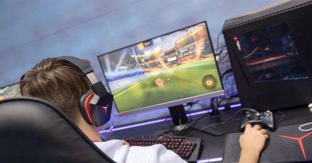 Idealer Überblick: Die Monitorgröße fürs Gaming sollte irgendwo zwischen 27 und 32 Zoll liegen.