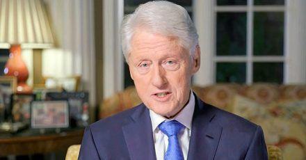 Bill Clinton ist froh, nach einem Krankenhausaufenthalt wieder zuhause sein zu können.