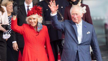 Herzogin Camilla und Prinz Charles bei einem Besuch Mitte Oktober in Cardiff, Wales. (tae/spot)