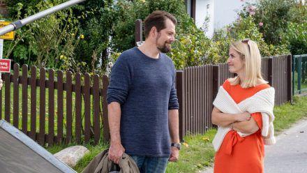 """Daniel Fehlow und Susan Sideropoulos bei den Dreharbeiten zu """"Leon - Glaub nicht alles, was du siehst"""". (aha/spot)"""