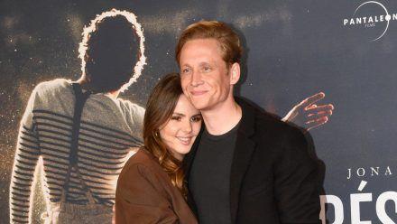 Matthias Schweighöfer mit seiner Partnerin Ruby O. Fee. (wue/spot)