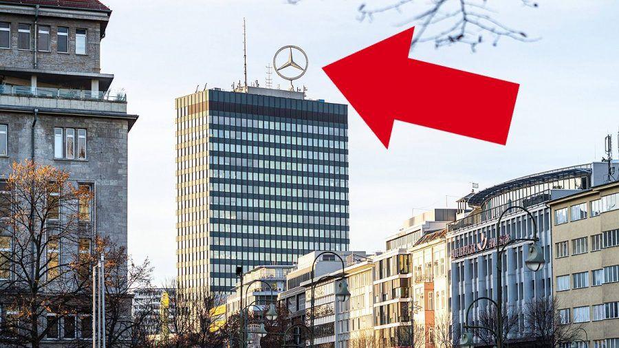 Rotzfreches Video: Mit der Hängematte im Mercedes-Stern hoch über Berlin